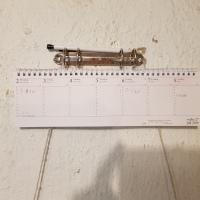 En helt vanlig  almanacka i papp....